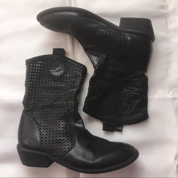 Miz Mooz Sally blk leather cowboy ankle boot sz 7